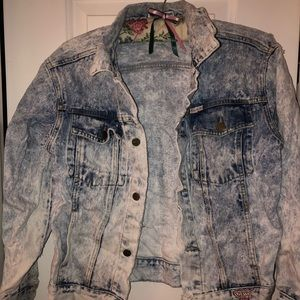 GUESS BRAND DENIM JACKET